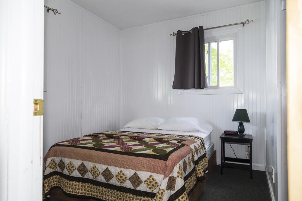 Cabin 1: 2 Bedroom/1 Bath Cabin on the water
