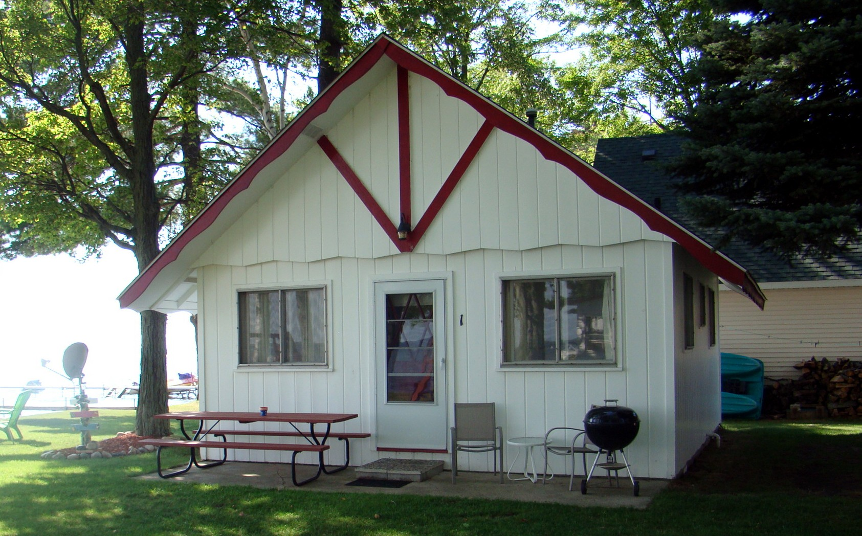 Two Bedroom Cabins The Crest Resort On Houghton Lakethe